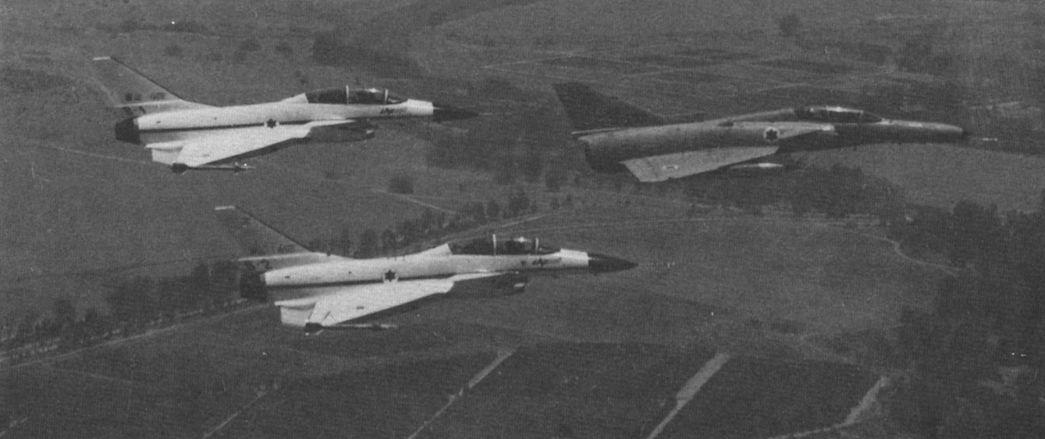 Po Raz Pierwszy Firma Israel Aircraft Industries Zaoferowała Samoloty Kfir Odbior Zagranicznym W 1976 R Co Od Razu Spotkało Się Z Zainteresowaniem