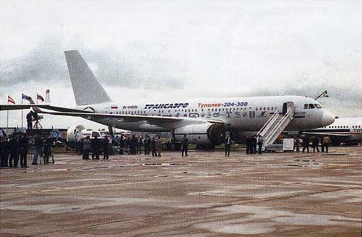 Взлетевший накануне салона Ту-204-300 нашел покупателя в первый день работы МАКСа.