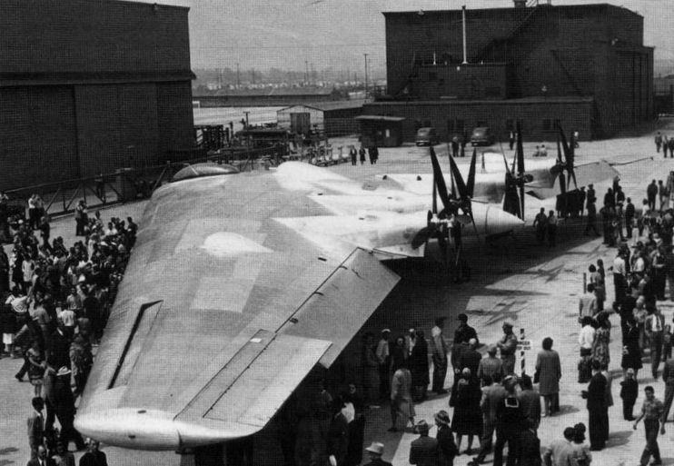Второй экземпляр XB-35 во