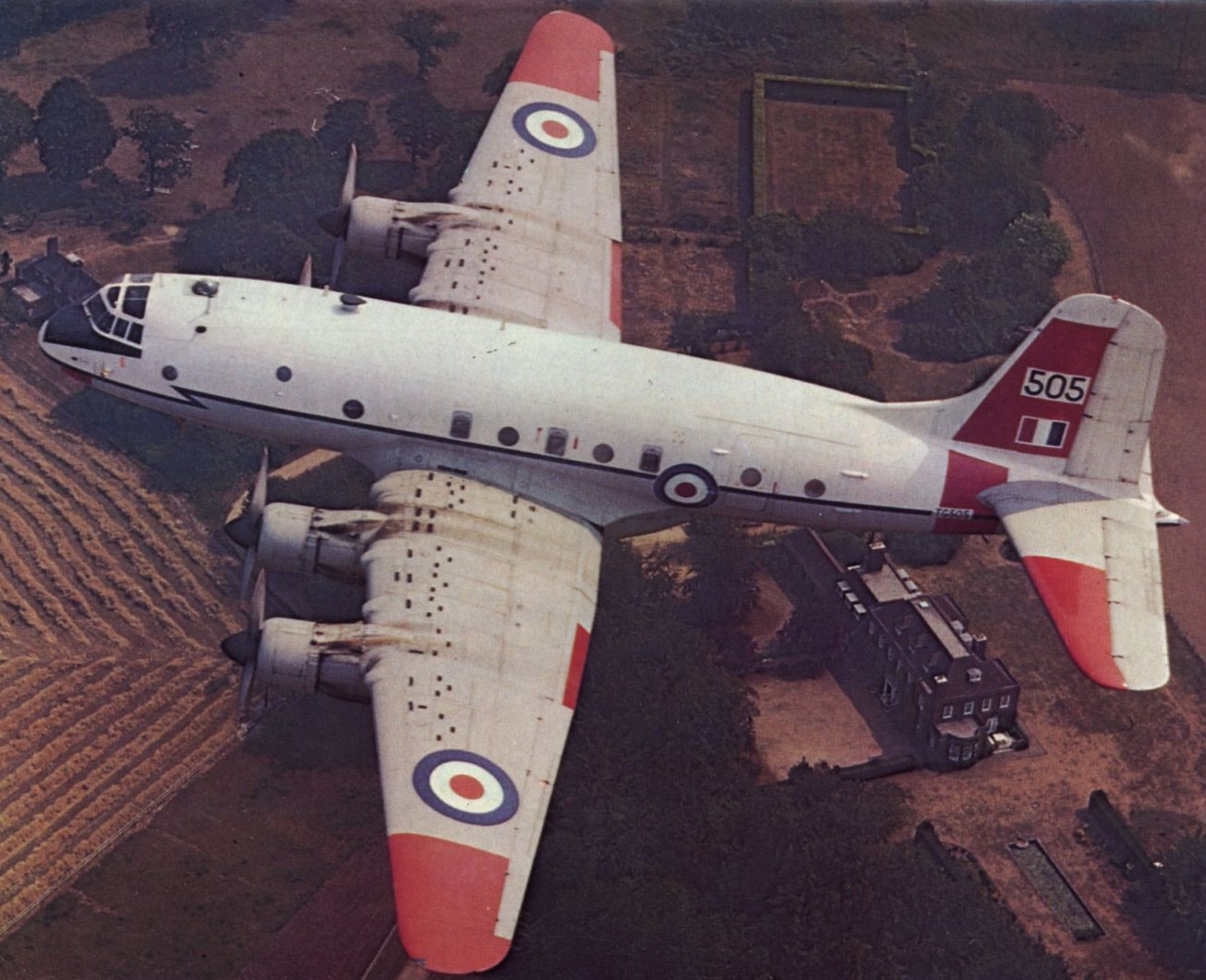 Дальний транспортный самолет самолет